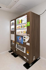自動販売機 / Vending Machine Corner